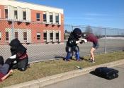 College Charlemagne, cours d'autodéfense à l'extérieur. Avril 2018